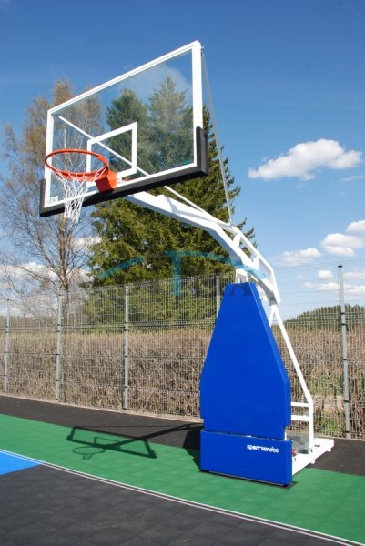 Basketball constructions for outdoor use